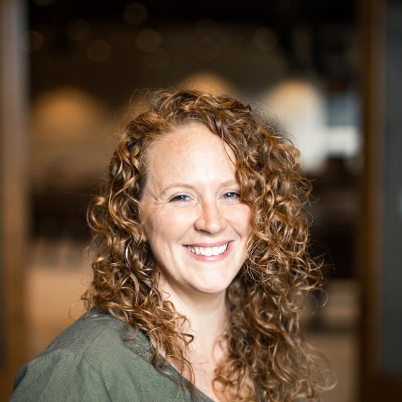 Portrait image of Rachel Vallely